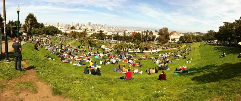 File:Dolores Park, San Francisco 2013-04-13 14-48.jpg