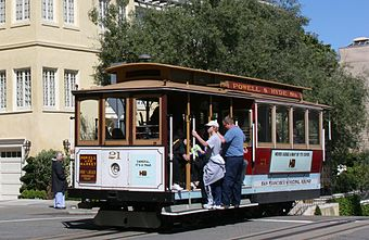 Sfcablecar at lombardst cropped.jpg