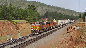 BNSF Eastbound Williams Junction, Arizona (15490239760).jpg