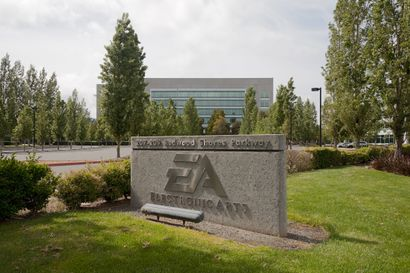 Electronic Arts Redwood City May 2011.jpg
