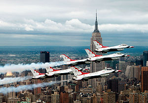 F-16 Fighting Falcons above New York City(2).jpg