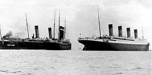 Titanic (right) after the near-collision with New York (left, together with Oceanic to the far left)