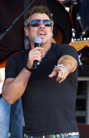 Phil Vassar 2008 Durham Fair 2 -- Sgt. R.K. Blue.jpg