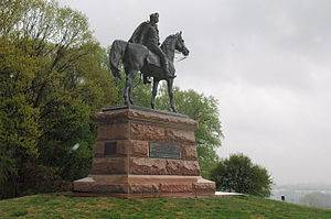 Valley Forge Anthony Wayne statue.jpg