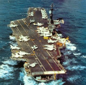 USS Midway (CVA-41) in the Pacific Ocean on 30 November 1974 (NH 97633).jpg