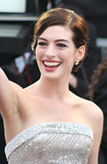 Photo of Anne Hathaway.