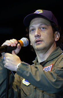 Rob Schneider, USO tour, Nov 16 2001.jpg