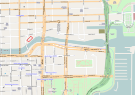 streetlevel map of Chicago River surroundings with the Trump Tower on the north side of the river, facing southeast over the river, and overlooking the river's final ten-block-long straight passage east to the lake.