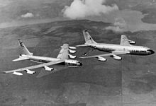 Image of B-52D during refueling