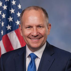 Lloyd Smucker official congressional photo.jpg