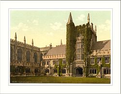 Magdalen College Founders Tower and Cloisters Oxford England.jpg