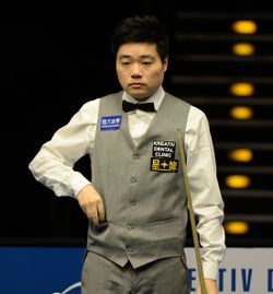 Ding Junhui at Snooker German Masters (DerHexer) 2015-02-05 01.jpg