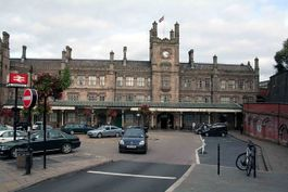 Shrewsbury station front - geograph.org.uk - 1005894.jpg