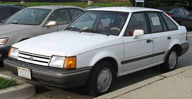 88-90 Ford Escort LX 5-door.jpg
